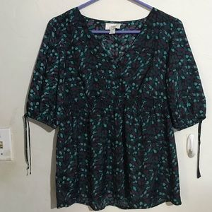Woman's blouse, short sleeve by Anne Taylor Loft